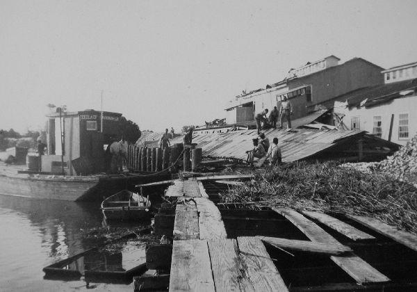 Yonges-I-1940-bw